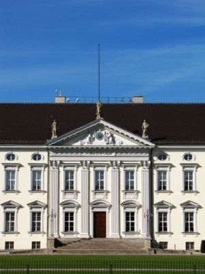 Schloss Bellevue_by_Rainer Sturm_pixelio.de