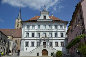 das alte Rathaus von Iphofen im Barockstil erbaut