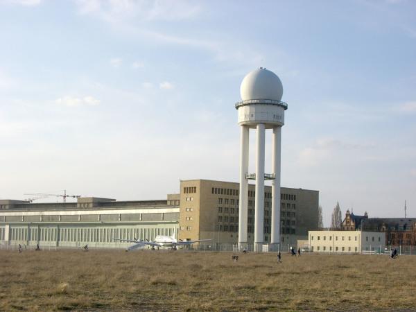 2021-Walken Tempelhofer Feld