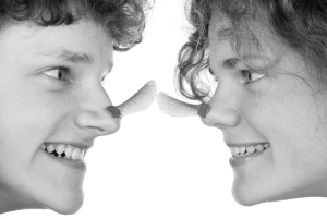 Ahornsamen als Nasenschmuck