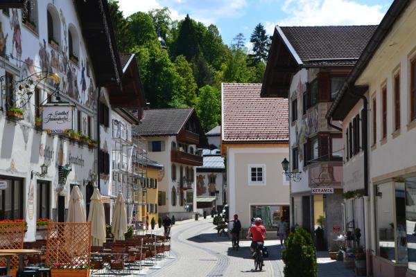 Durch den Ortsteil  Partenkirchen