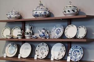 Berühmte und weltweit bekannte alte Porzellandekore