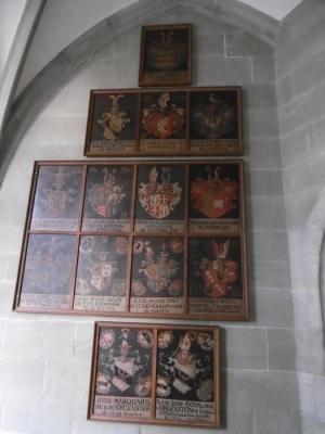 Wappenschilder diverser Domherren