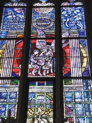 Neben  dem Eingang, Welserkapelle, Fenster der Hoffnung 1988