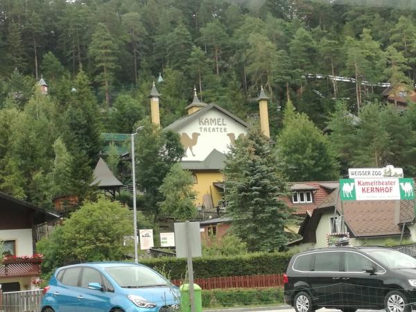 Kernerhof-Weisser Zoo