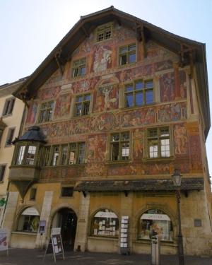 Haus zum Ritter, 1492, gehörte einst Ritter Hans von Waldkirch, bedeutende Renaisance-Fresken nördlich der Alpen