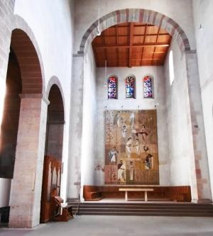 Kirche im Innern recht karg