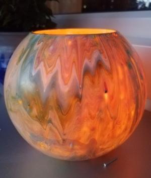 Vase mit Kerze