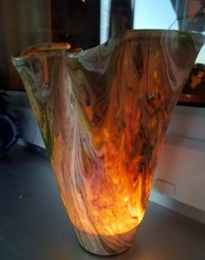 Vase mit Kerzenlicht