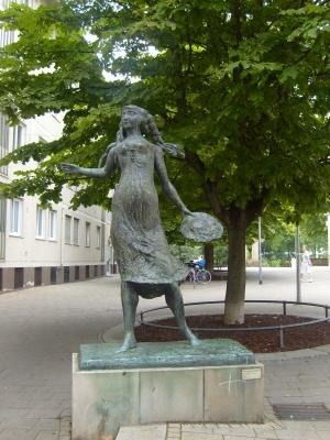Bronzesfigur vom Käthchen