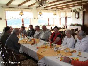 Im Restaurant - Pegasus-203