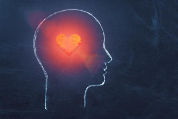 Bild eines Herzens in einem Kopf