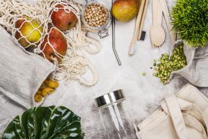 Lose und plastikfrei verpackte Lebensmittel