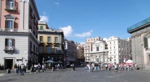 Napoli hat 1,2  Mio. Einwohner