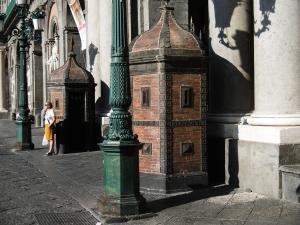 Vorm Rathaus, gegenüber vom Dom