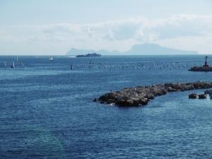 Bei der Gründung hieß Napoli Neapolis bedeutet= Neustadt