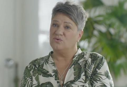Frau berichtet von nächtlichen Wadenkrämpfen