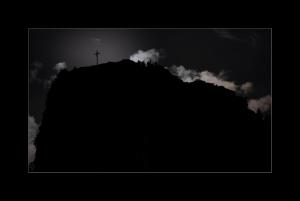 2020-07-28-Mond-hinterm-Kofel-9338.jpg