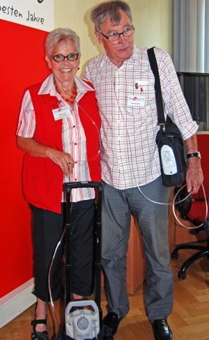 COPD-Gesprächsrunde - Irmgard und Manfred mit ihren Sauerstoffgeräten