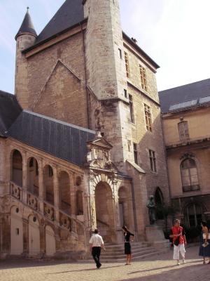 Burgund 11
