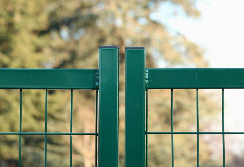 Come posare un cancello a 2 ante