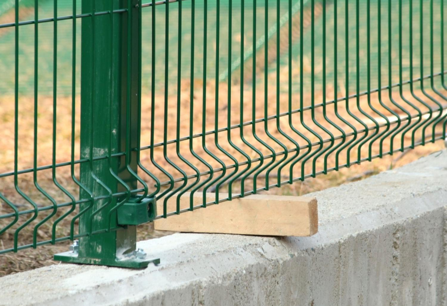 How to install modular fencing panel