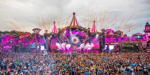 Couldn't make it to Tomorrowland? Watch the live stream!
