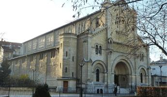 L'Eglise Notre-Dame du travail, arrondissement paris, paris arrondissement, arrondissements paris
