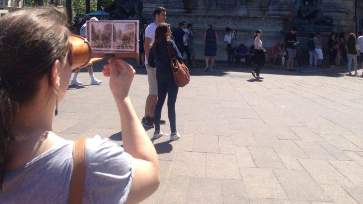 Visite de Paris avec un stéréoscope
