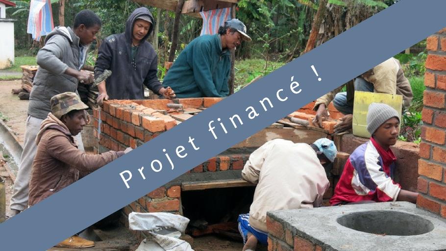 Construction de fours économes : Préservons le bois au sud de Madagascar