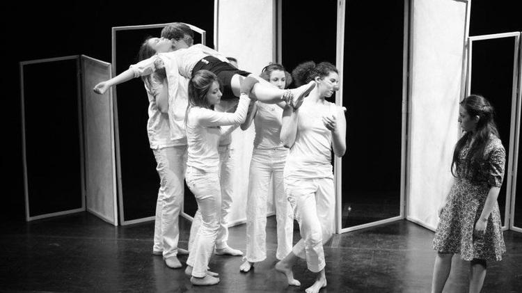 """De l'autre côté du miroir : Nous sommes la troupe """"Rêve de Cactus"""""""