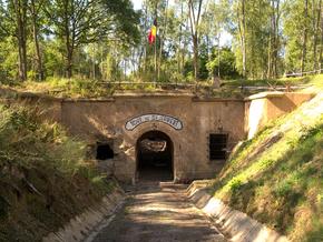 Nos soldats sous les feux de la rampe : Hommage aux soldats du Fort de Saint-Héribert