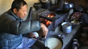 Installation de poêle Lapcha Népal :  Des poêles à bois pour les villages de montagne