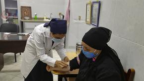 Les dames du Nil : Du materiel médical en Haute Egypte