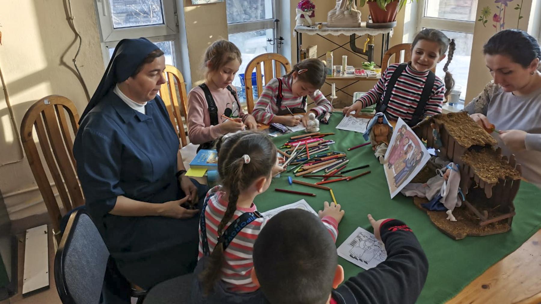Apprendre et grandir : Des livrets éducatifs pour des enfants en Russie