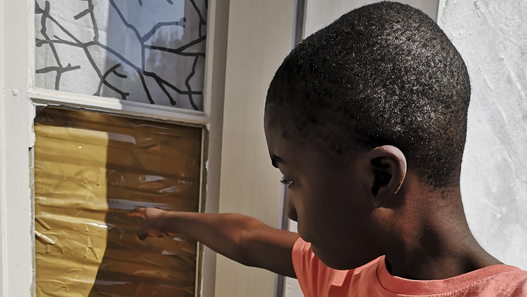 At the end of our sorrows : House renovations for families in France