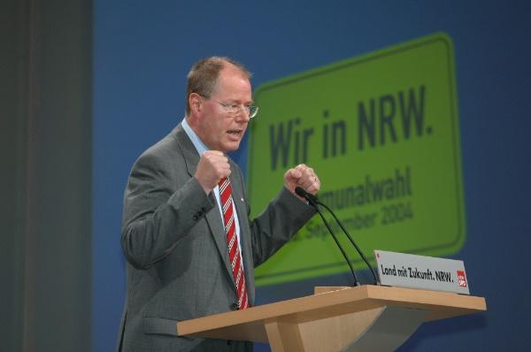 Rede von Ministerpräsident peer Steinbrück auf dem Kommunalkonvent am 24.04.2004 in Oberhausen