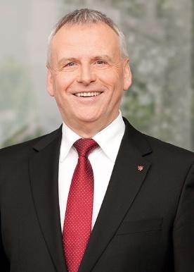 Portraitfoto von Ernst-Ewald Roth