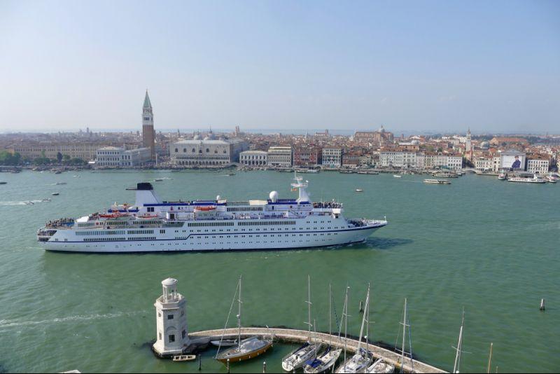 Kreuzfahrt ab Venedig: Außenkabine zahlen - Balkonkabine nutzen