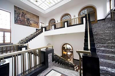 Het 'Tropisch Instituut' en Bruegel in het Museum 'Mayer van den Bergh' VOLZET