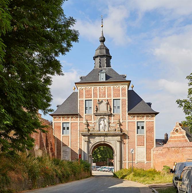 Monumentenuitstap, Abdij van Park te Leuven, Gildehuis Vrije Schippers en Academie/Brandweer te Gent