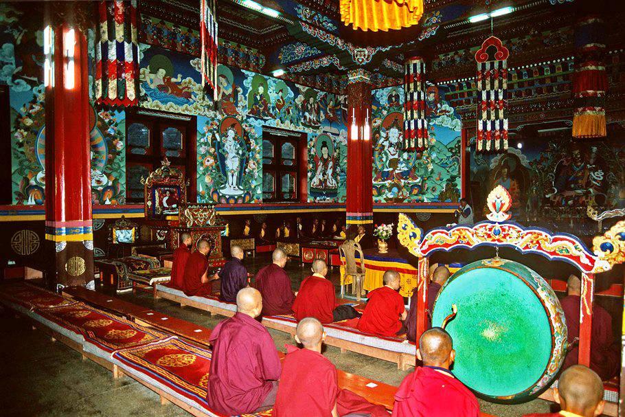 Reisreportage 'BHUTAN, authentieke Tibetaanse cultuur verborgen in de Himalaya' van Guido Vervoort.