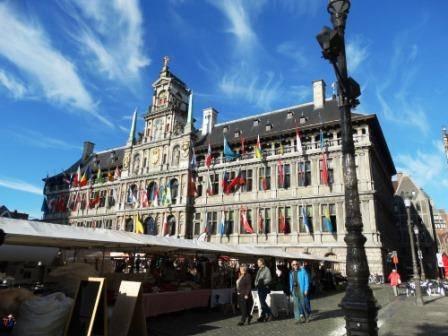 Bezoek aan het stadhuis te Antwerpen