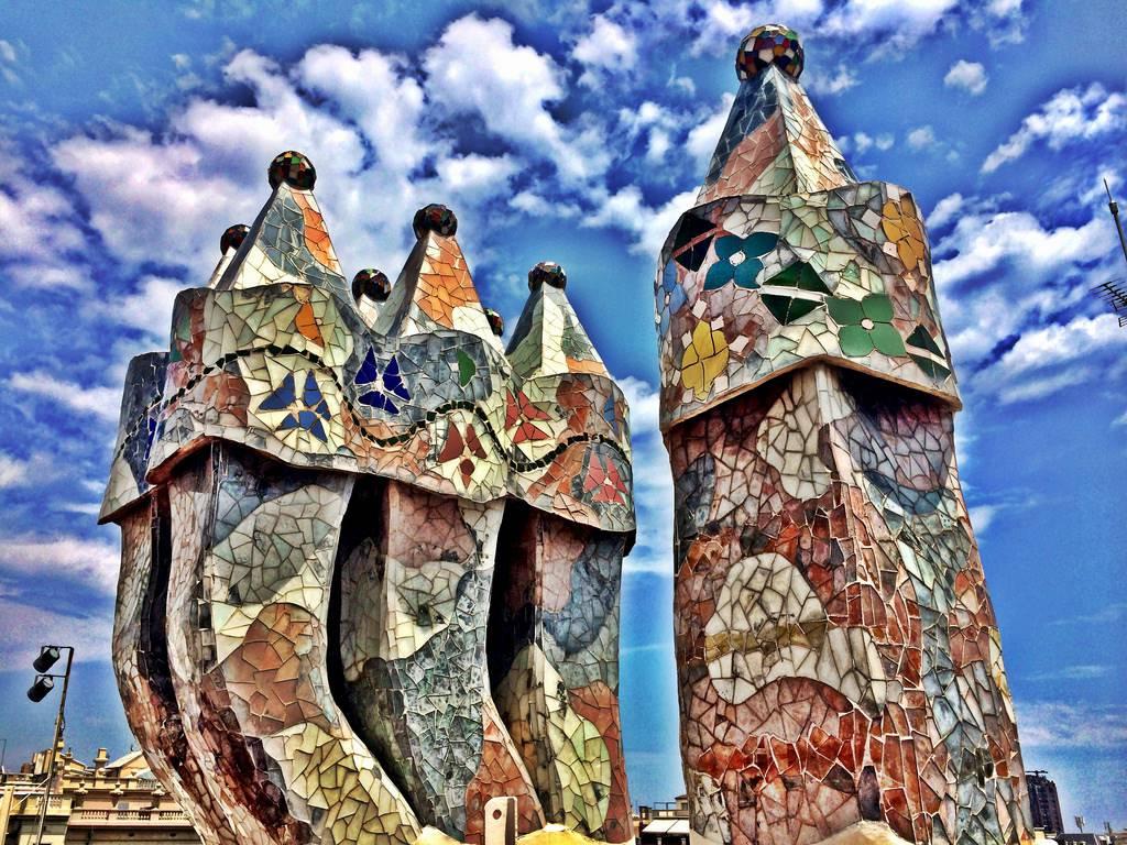"Antoni Gaudi ""Gaudiaanse dynamiek"" in en buiten Barcelona"