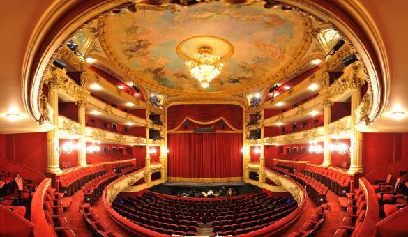 Opera: Nabucco van G. Verdi