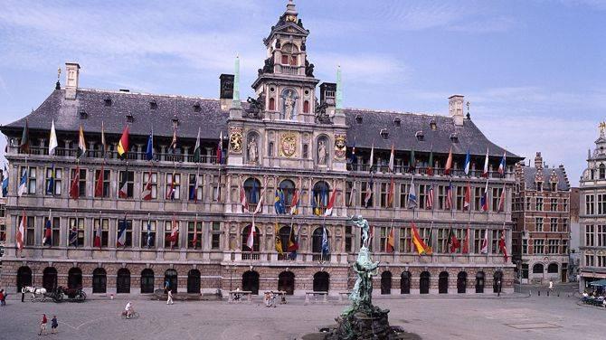 Bezoek aan het stadhuis van Antwerpen