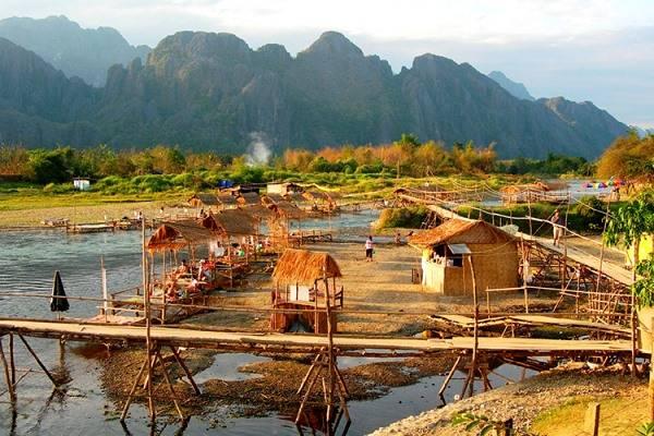 Reisfilm 'Laos en de Mekong rivier' van Hugo en Patricia De Ruysscher-Ceuterickx