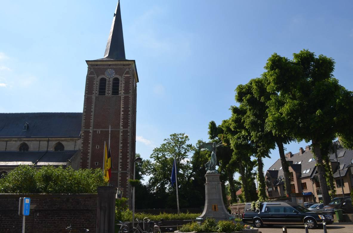 Wandeling in Neeroeteren met bezoek aan de Sint Lambertuskerk