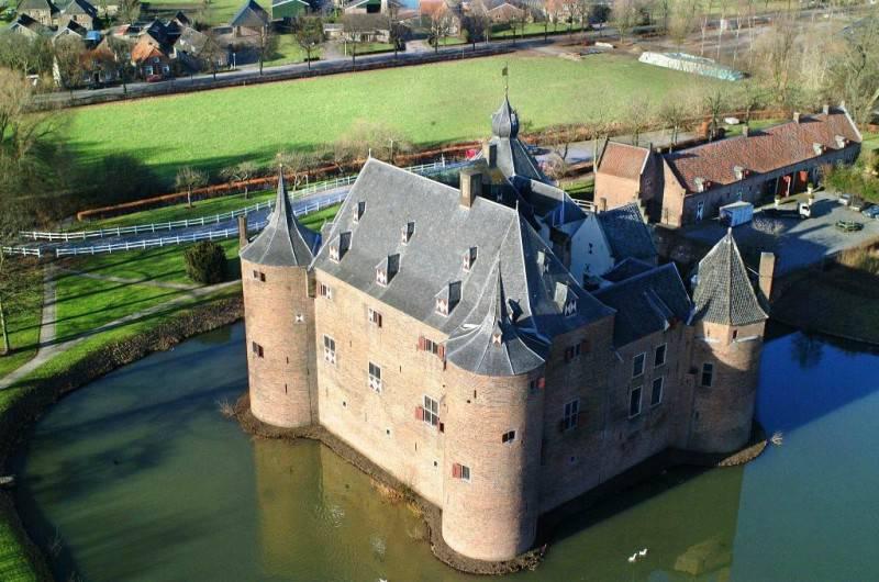 VERPLAATST NAAR 2021 - DATUM NOG TE BEPALEN   vtbKultuur-trip met bezoek aan kasteel Ammersoyen en Buren.
