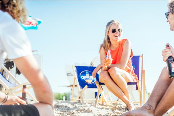 Entspannen am Strand vorm Supremesurf Beachhouse